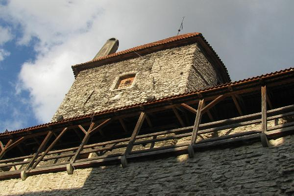 Hellemann Tower and the city wall