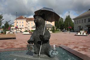 """""""Rolig Ott"""" på Otepääs centrala torg"""