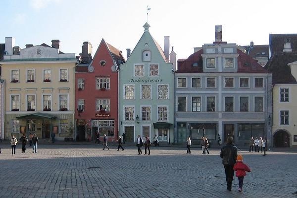 Rootsikeelne giidituur Tallinna vanalinna tänavatel