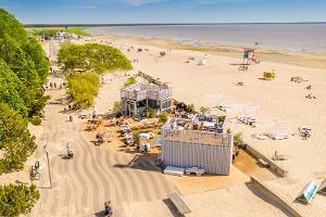 Pērnavas pludmales promenāde