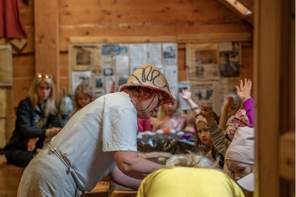 """Kilplaste käsitöö õpituba """"Kilplased vaatavad seepe"""""""