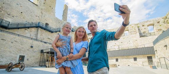 TOP 11 aktivitātes ģimenēm ar bērniem vasarā