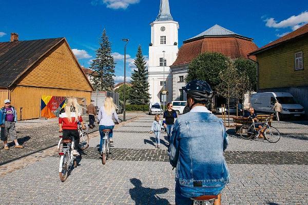 Valga central square