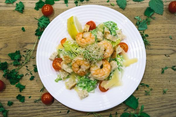 Café Sparkla, Garnelen und Caesar-Salat
