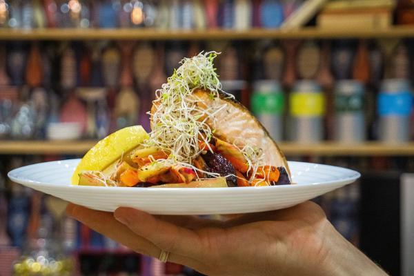 Café Sparkla: Lachs, Gemüse