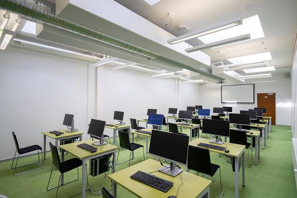 TÜ Raamatukogu konverentsikeskuse arvutiklass