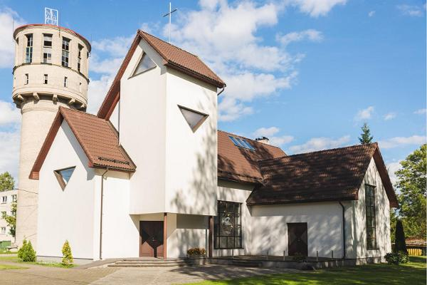 Kirkko Mustveessa