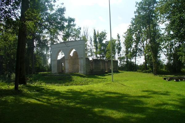 Haimres kapela un Vecās muižas parks