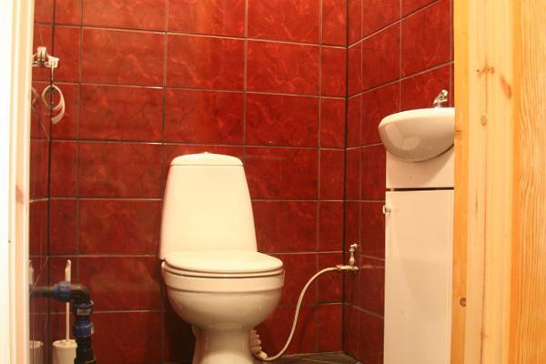 WC Tamme Tallin lomatalossa
