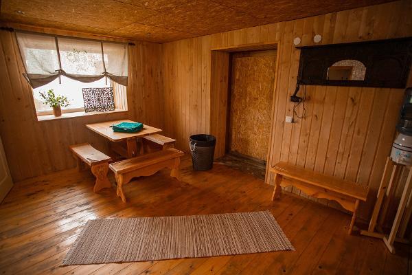 Hiiemäe Puhkemaja sauna eesruum