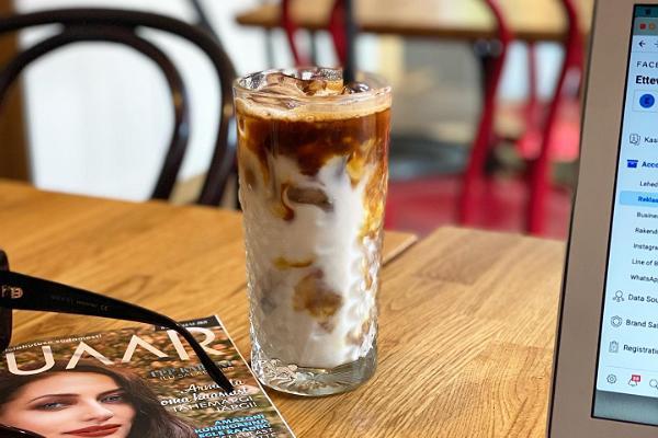 Ristikheina kafé