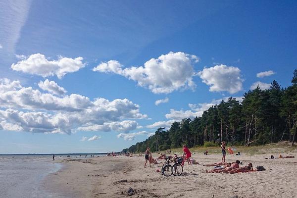 Valgerand Beach