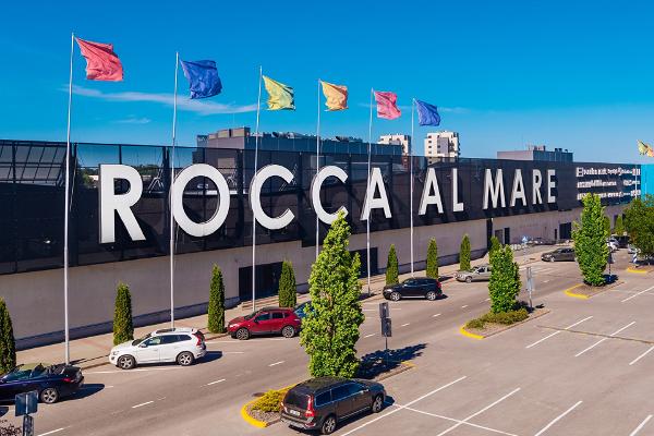 Rocca al Maren ostoskeskus