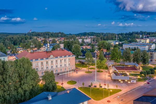 Zentraler Platz in Otepää