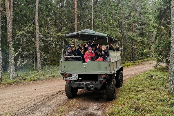 Maastiku veoautoga ekskursioonid Naissaarel
