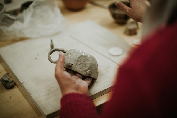 Keraamilise või klaaseseme valmistamine Olustvere mõisas