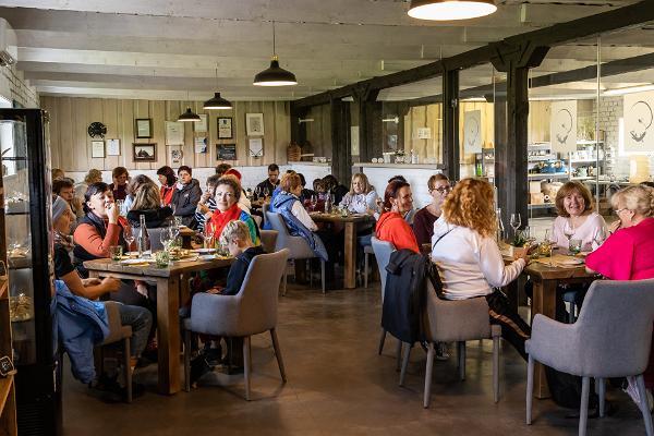Cider workshop 'Dégorgement' in Tori Cider Farm