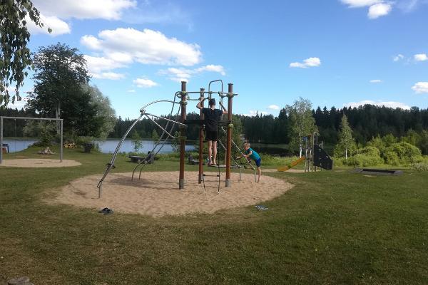 Käärikun urheilukeskuksen lasten leikkikenttä
