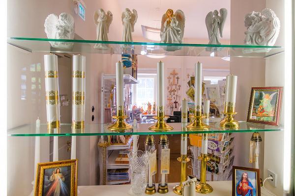 EELK Tartu Pauluse kirik raamatupoest leiab kristlikku sümboolikat