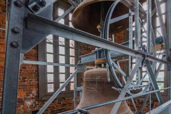 EELK Tartu Pauluse kiriku torn ja tornikellad ootavad uudistajaid