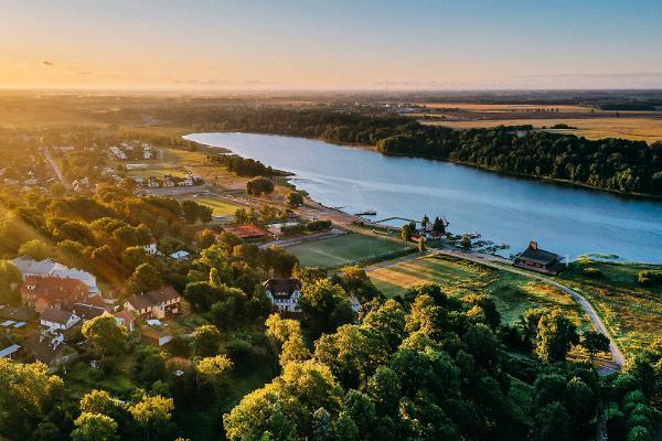 Wanderweg um den See Viljandi