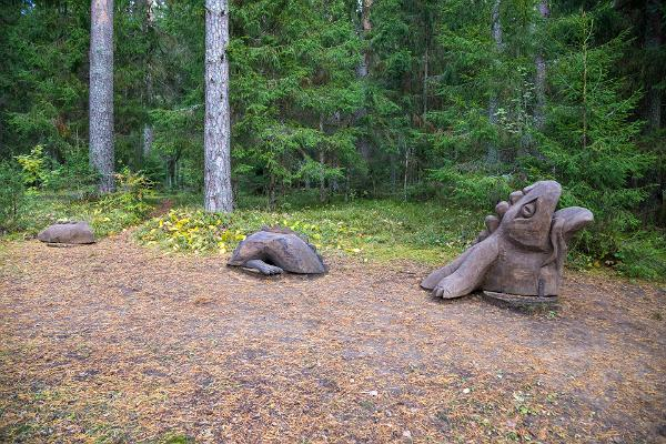 Väike Väerada (Lilla Kraftled) och Grodan i skogen