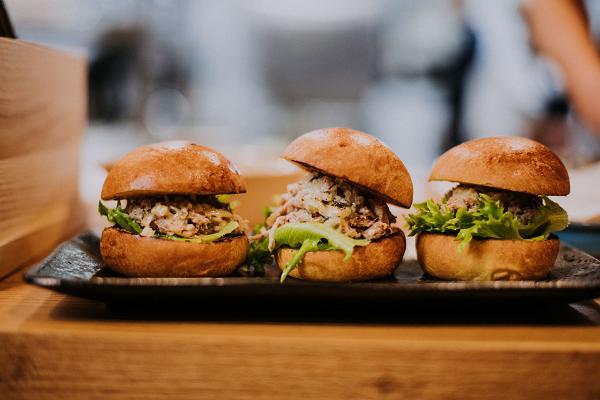 Ravintola Humal slider / hampurilaisen ruokakuva