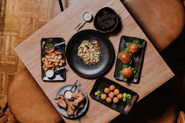 Ravintola Humalan alkupalavalikoiman ruokakuva