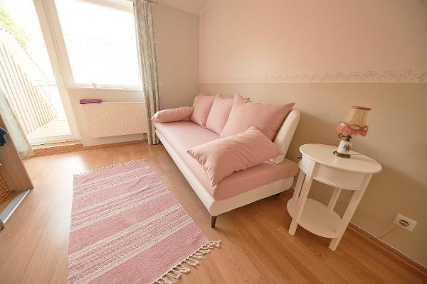 Rose Apartment