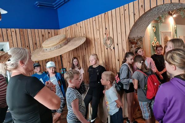 """Laiuse Õlemuuseumi külastusprogramm """"Õlgedest eheteni"""""""
