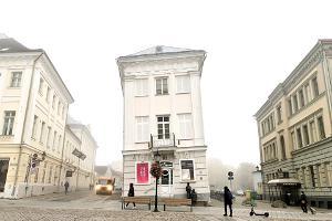 Schiefes Haus in Tartu