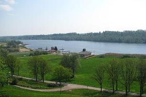 Badstranden vid Viljandi sjö