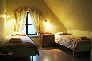 Hotel im Besuchszentrum Kaali