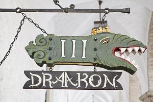III Draakon - Viduslaiku krogs