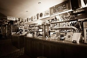 Aleksandri Pub