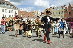 Kiir-folk-friik-punkbänd Bohemian Betyars (Ungari) / Tallinna Vanalinna Päevad