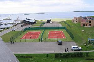 Georg Ots Spa Hotel tennis courts