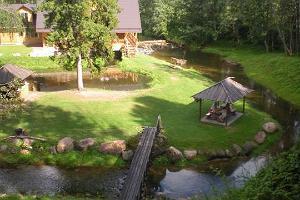 Forellenfang im Ferienkomplex im Piusa-Urtal