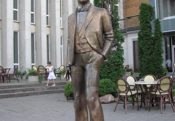 Скульптура Карла Меннинга