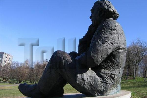Gustava Ernesaksa piemineklis