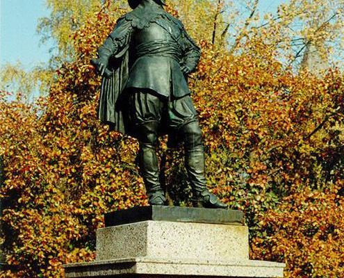 Monument to Gustav II Adolf in autumn